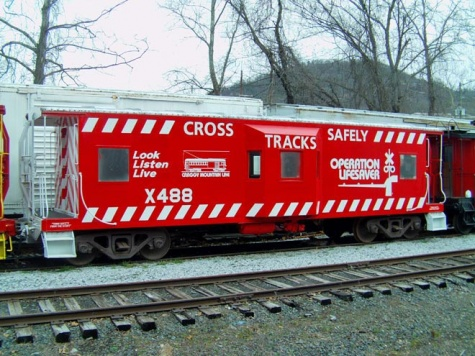 20 Operation Lifesaver Caboose 488 Blt 1970.jpg