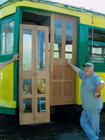 21 Jim King and Buddy Hooper install new doors on 119.jpg
