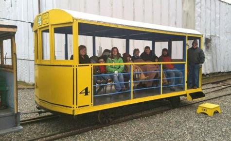 charter-trolley-660.jpg