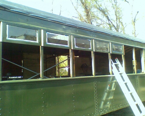 32 New top side windows getting instaled.jpg
